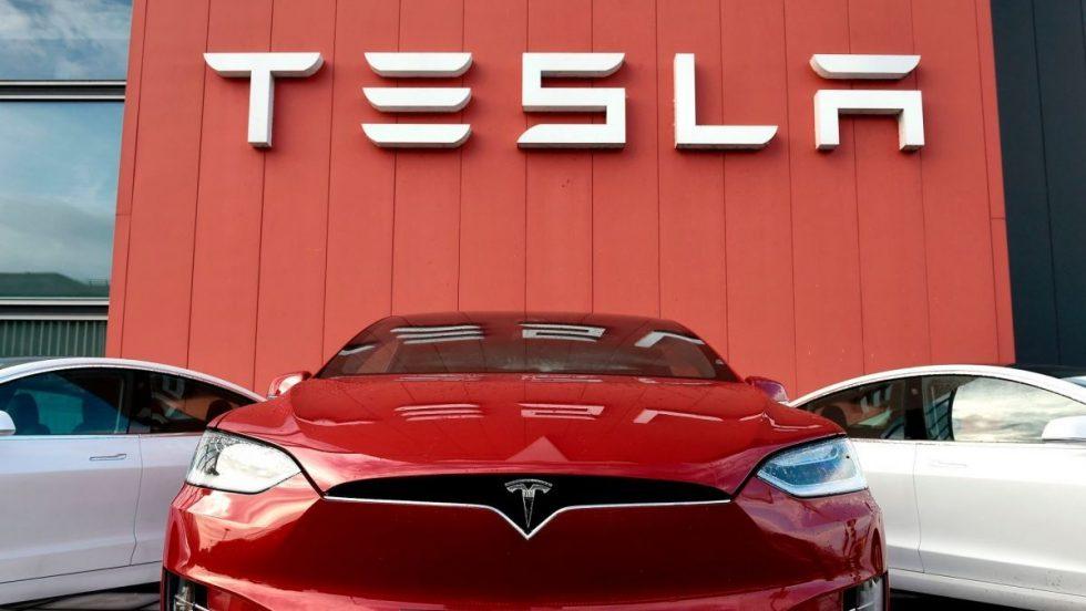 Tesla20automobiliai