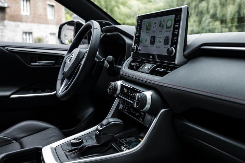 Toyota-RAV4-Plug-in-Hybrid-20
