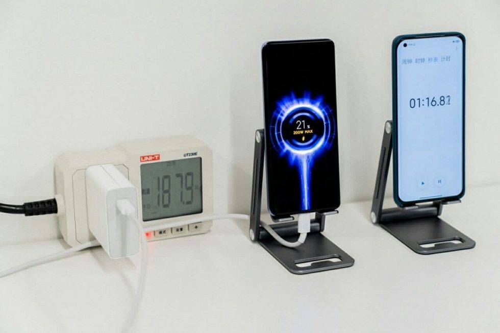 Ultra-fast-charging-for-smartphones-Xiaomi-HyperCharge-in-reality-turned-out