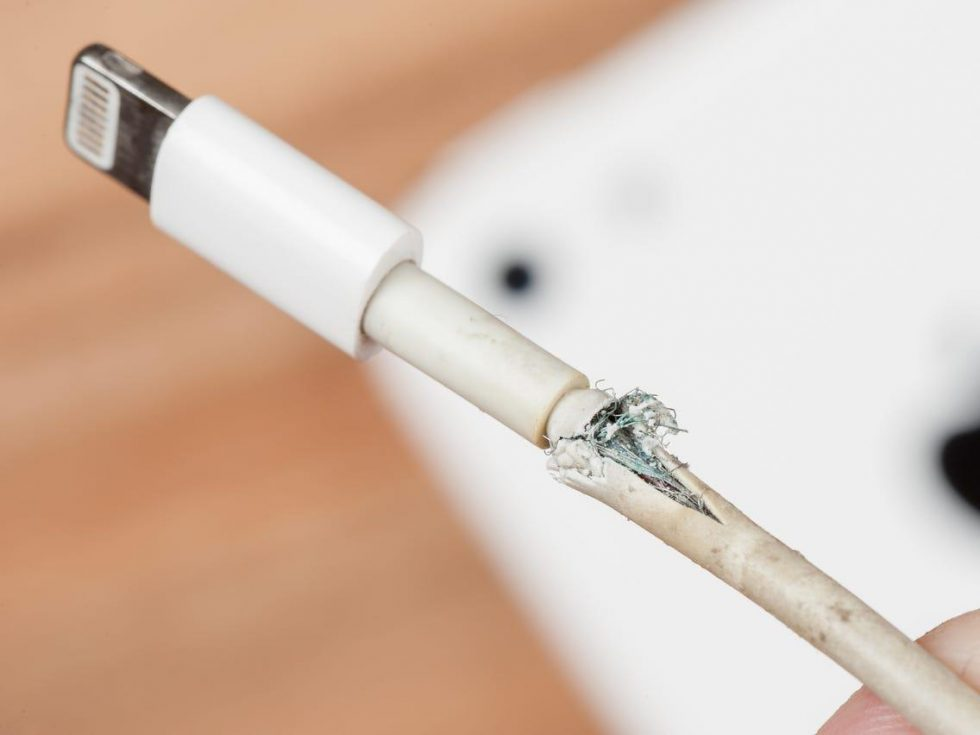 iphone-cable