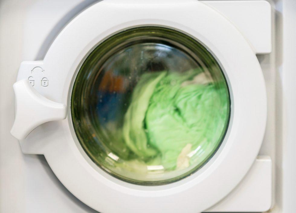spinning-laundry-washing-machine