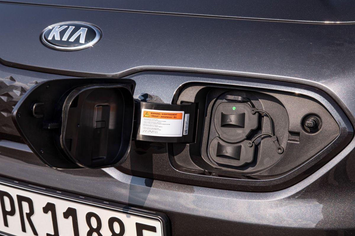 Elektromobilio%20i%CC%A8krovimo%20lizdas