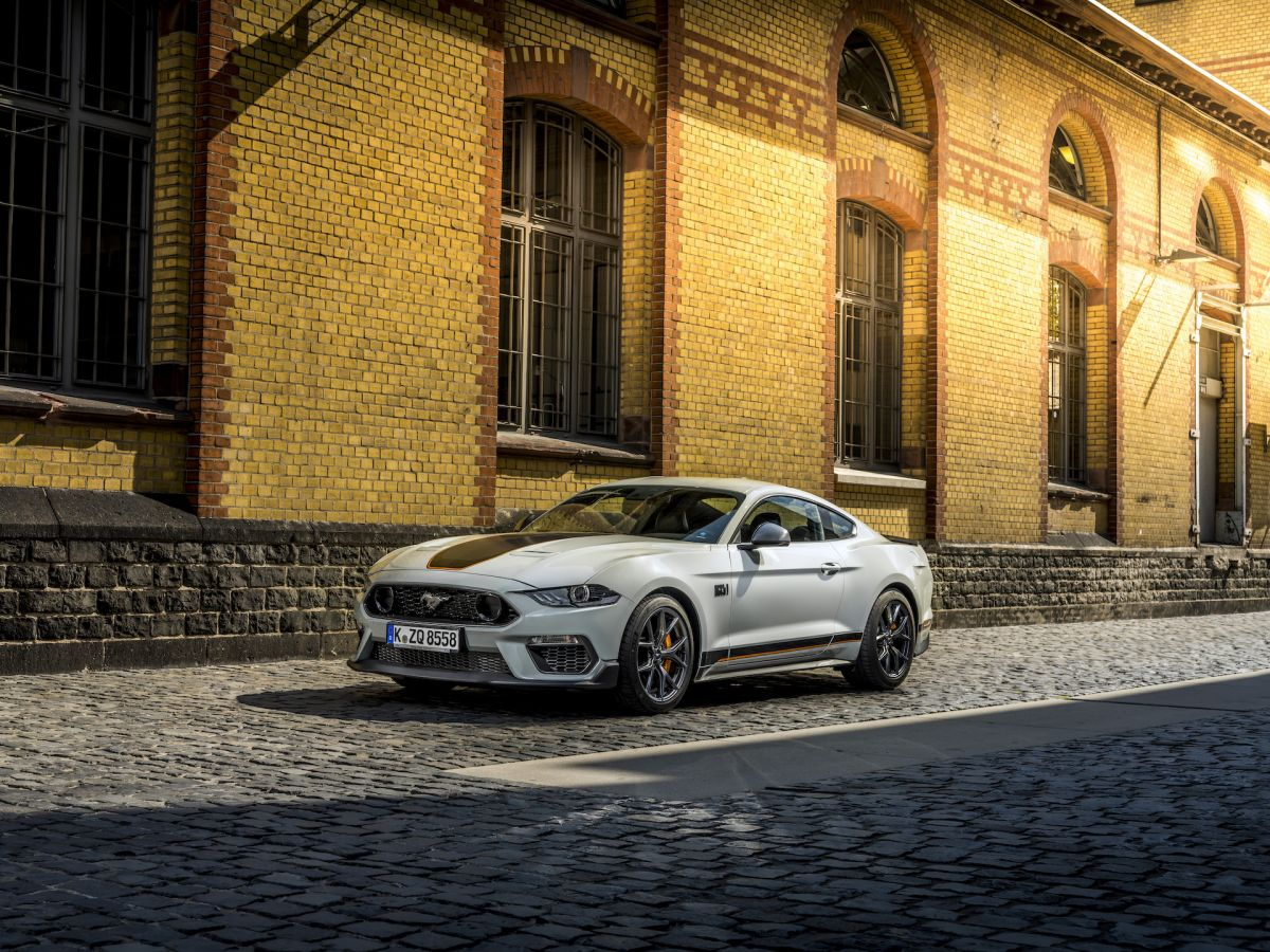 Ford%20Mustang%20Mach%201%20-%201