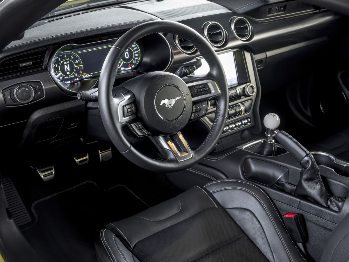 Ford%20Mustang%20Mach%201%20-%2031