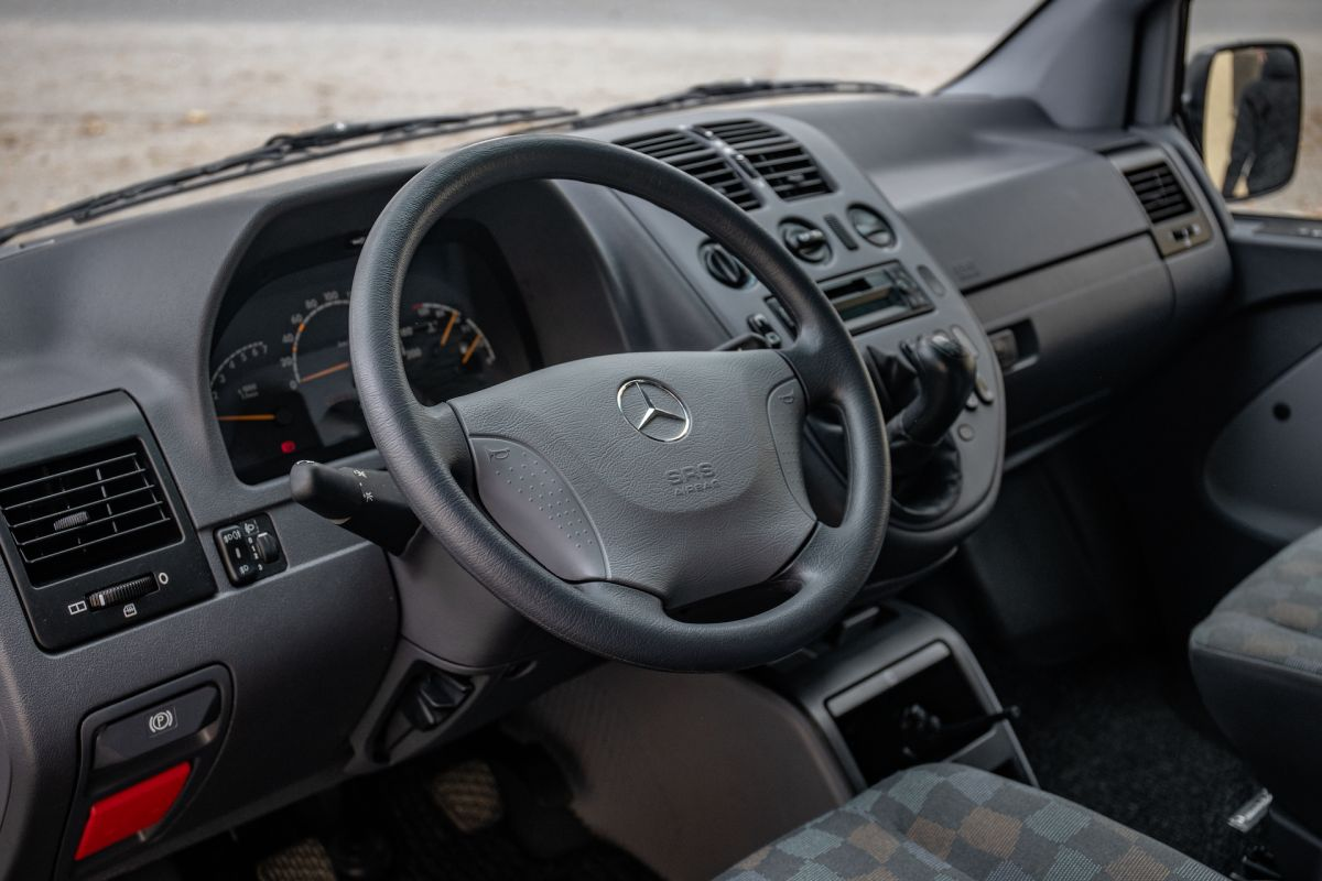 Mercedes-Benz%20Vito%20-%209
