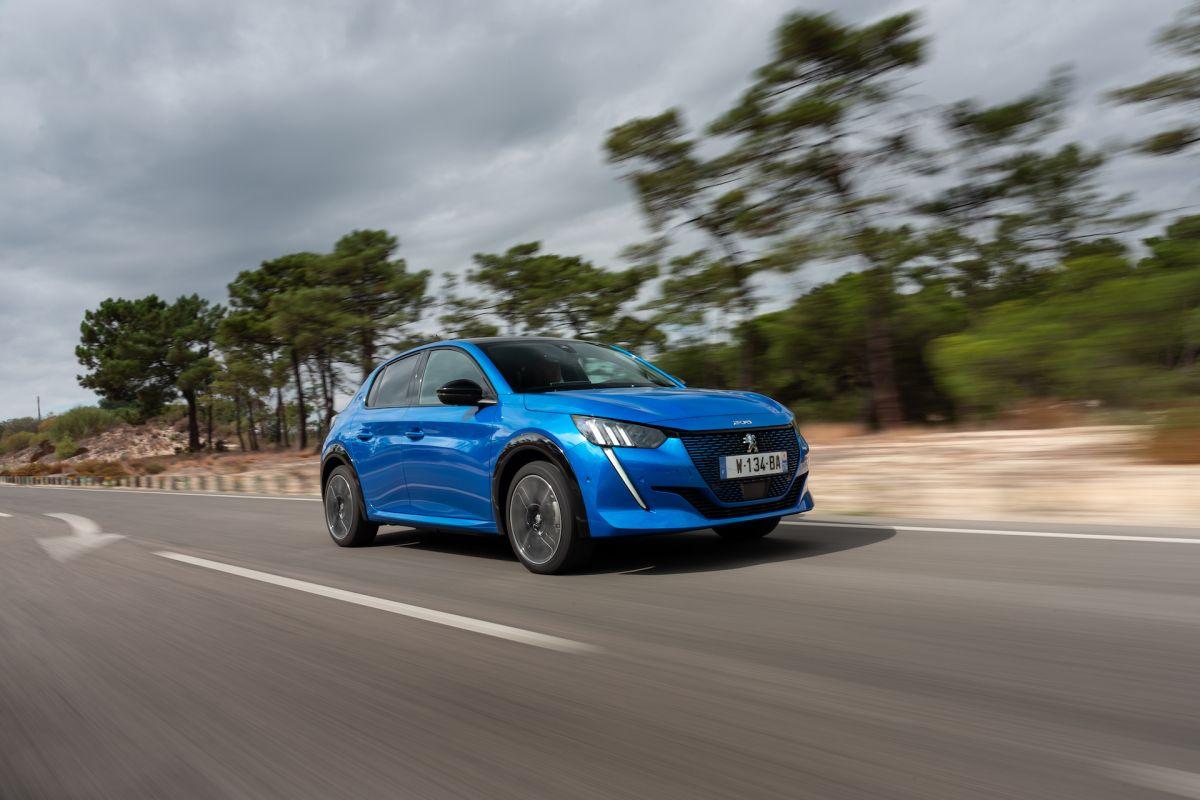 Peugeot%20e-208