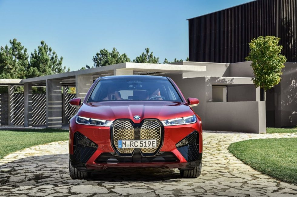 BMW-iX-grille