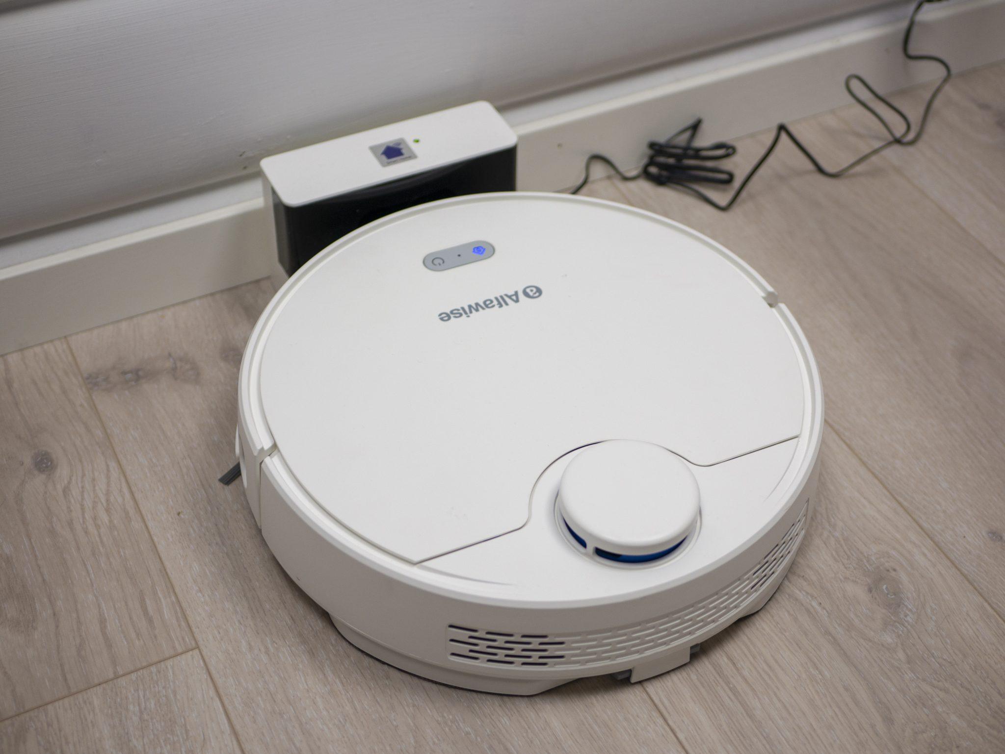 """Ieškote pigaus roboto dulkių siurblio? Įsigykite """"Alfawise V10 Max"""" už labai patrauklią kainą ir itin greitu pristatymu!"""