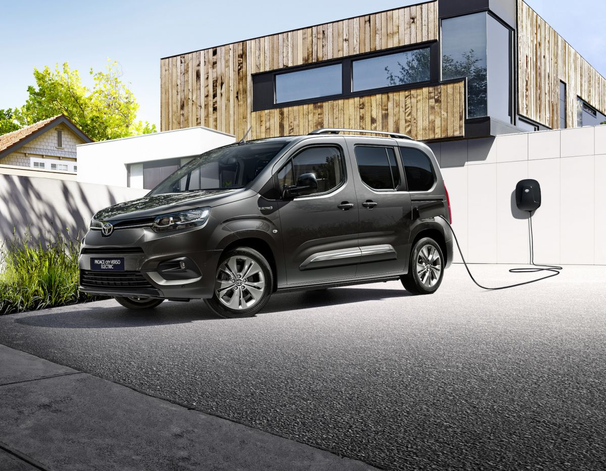 Toyota%20Proace%20CITY%20Verso%20Electric%20-%201