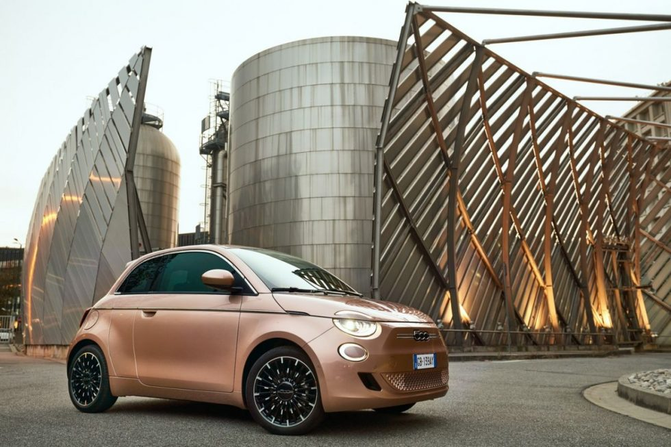 https___hypebeast.com_image_2020_10_fiat-500-electric-3-plus-1-asymmetrical-doors-small-city-car-first-look-2